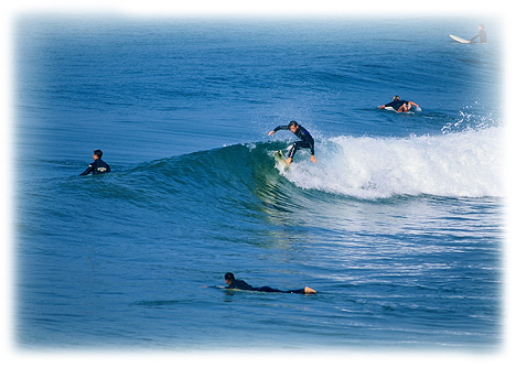 surfers_horiz